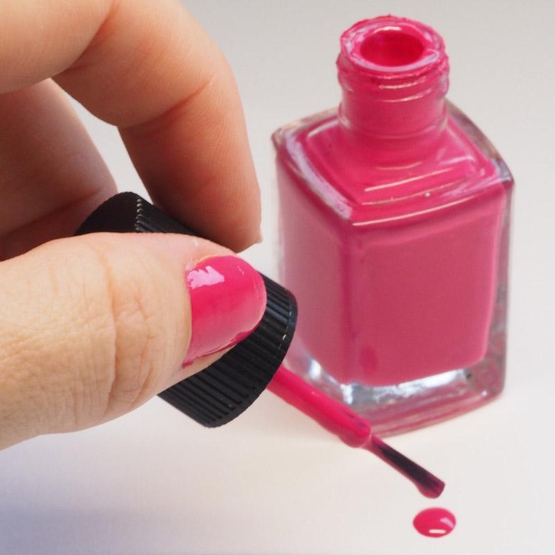 klasyczny manicure naturalnych paznokci